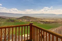 3BR Modern Cabin w/ Stunning Views