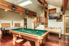 Clubhouse Cabin with Hot Tub in Truckee