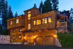 Gorgeous 4BR Lake Tahoe Retreat