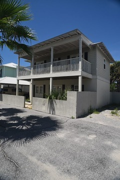 Seaview Cottages 6- Great Value, Family Vacation Home, and 2 Minute Walk to Sand!