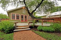 Oak-Shaded House in Bouldin