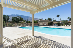 Peaceful Palm Springs Retreat