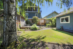 Bright Seattle Home- Ideal Location