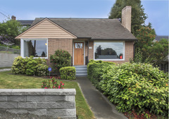 Cheerful & Inviting In North Seattle