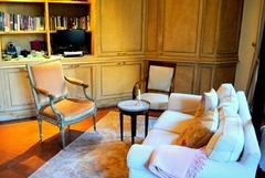 Romantic Renaissance Apartment in Historic Roman Palazzo