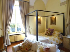 Romantic Renaissance Apartment in Historic Roman Palazzo