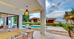 Wonderful 6 Bedroom villa 5 steps to the Best Beach in Playacar