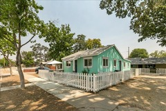 Adorable 2 Bed 2 Bath House! Walk 5 Blocks to Downtown Paso Robles or Fairgrounds!